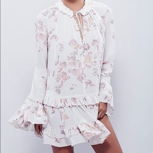 Free People   Clover Field Floral Ruffle Tunic XS